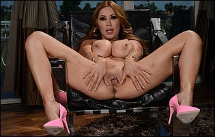 Kianna Dior in pink high heels teasing with hot body and spreading legs