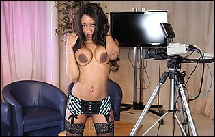 Kiki Minaj strips her sexy dress and underwear in front of the camera