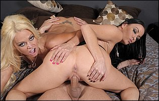 Hot sluts Nikita Von James and Vanilla Deville sharing a big dick