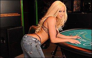 Gina Lynn loves showing her amazing body