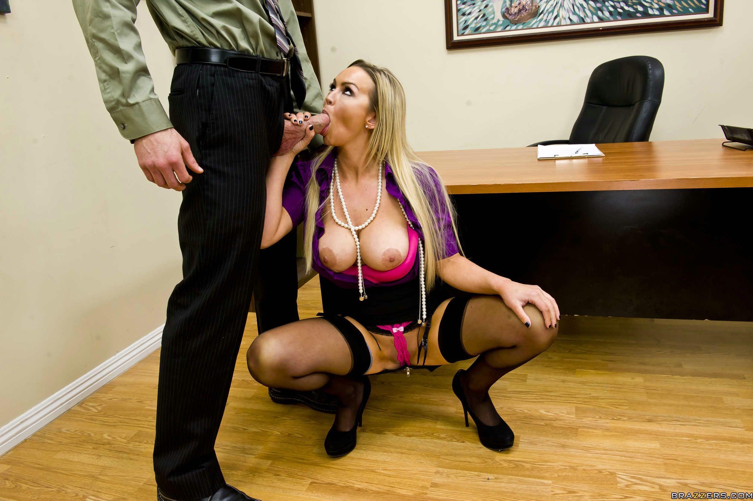 Chubby Caucasian Bitch Abbey Brooks Gets Shagged By Horny Stud Porn Photo Online