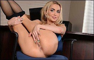 Gorgeous secretary Devon getting nude in the office