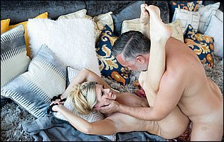 Hot blonde India Summer is having a steamy sex